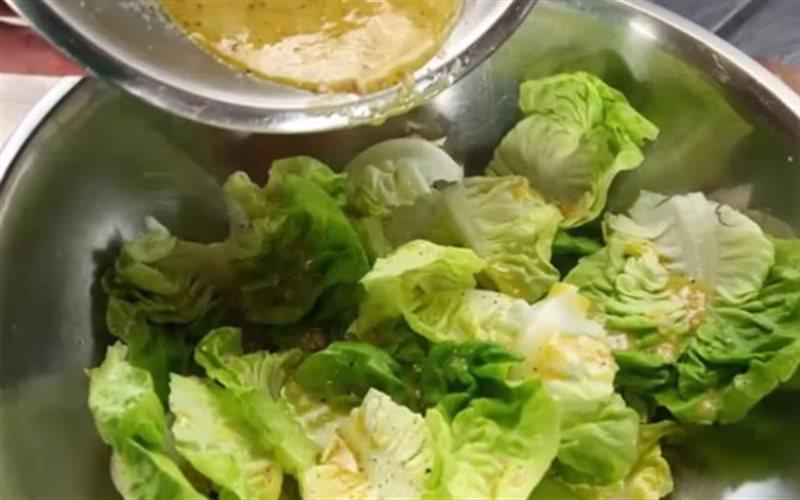 Cách làm Salad Xà Lách Trộn Dầu Giấm đơn giản nhất thế giới