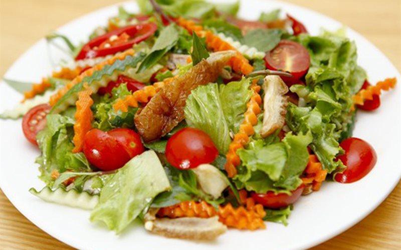 Cách làm salad vịt quay