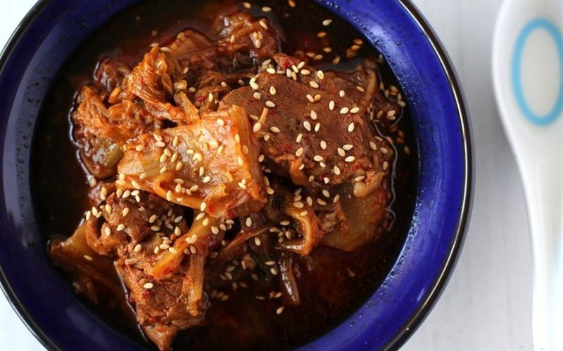 Cách Làm Bò Hầm Kim Chi Cay Ngon Thật Hấp Dẫn