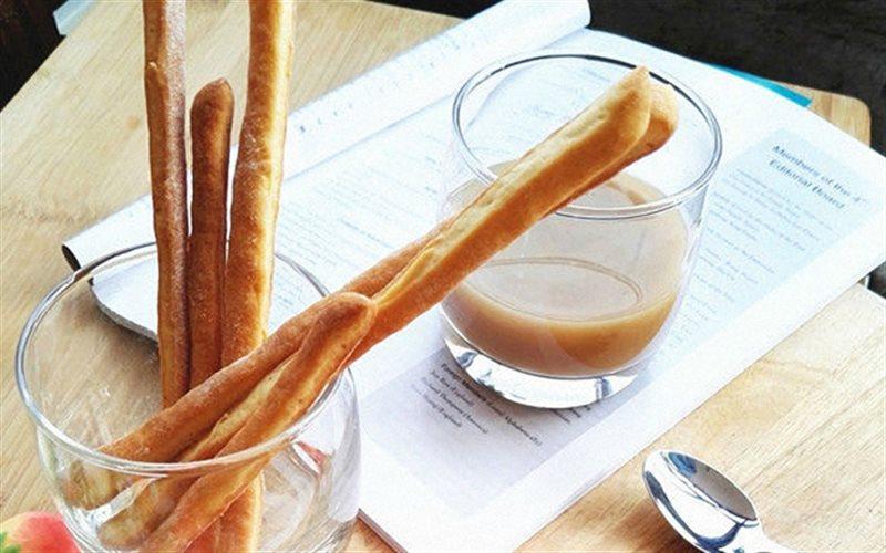 Cách Làm Bánh Mì Que Nướng Để Dành Ăn Vặt Cực Ngon