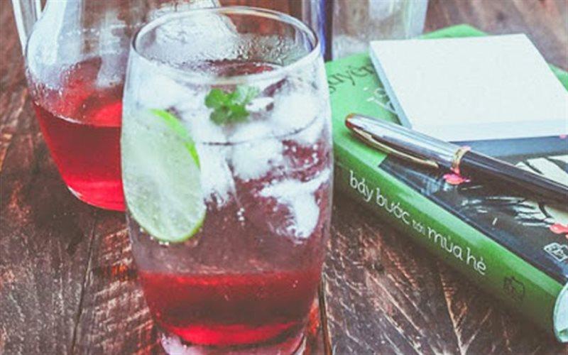 Cách làm Soda Siro Dâu Tây chua ngọt, giải nhiệt mùa hè