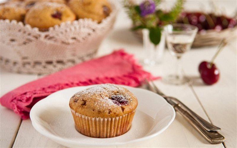 Cách làm Bánh Muffin Cherry xốp mềm, ngon cực đỉnh