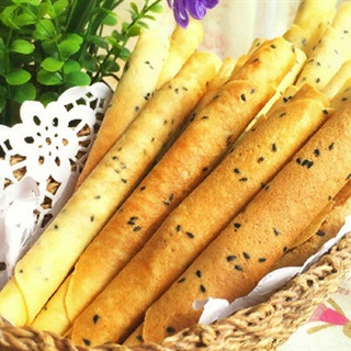 Cách Làm Bánh Quy Cuộn Mè Nhâm Nhi Ngon Miệng