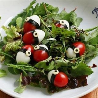 Salad trứng cút cà chua bi