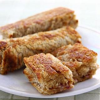 Cách Làm Bánh Mì Sandwich Cuộn Phô Mai Chiên Ngon