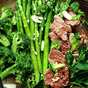Kết quả hình ảnh cho thịt bò xào măng tây và bông cải