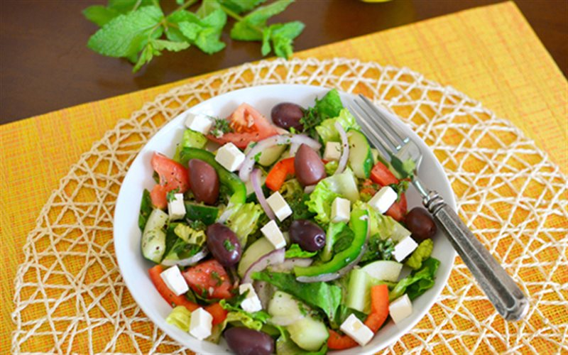 Cách Làm Salad Thổ Nhĩ Kỳ Giòn Giòn Ngon Lạ Miệng