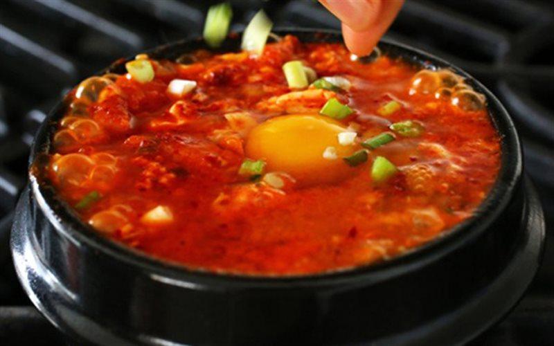 Cách nấu Canh Kim Chi Thịt Heo chuẩn vị Hàn Quốc tại nhà