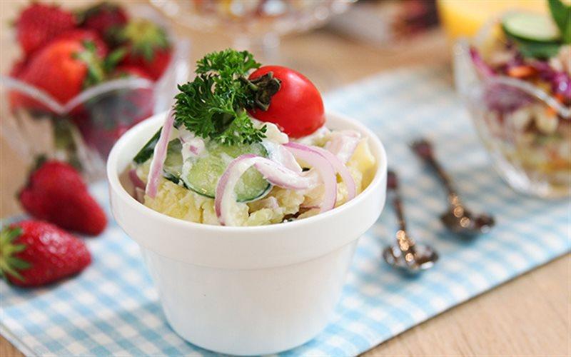 Cách Làm Salad Khoai Tây Nghiền Giàu Năng Lượng
