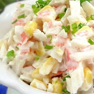 Cách Làm Salad Nga Với Cua Và Bắp Hột Thơm Ngon