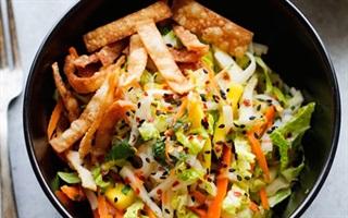 Salad gà xoài