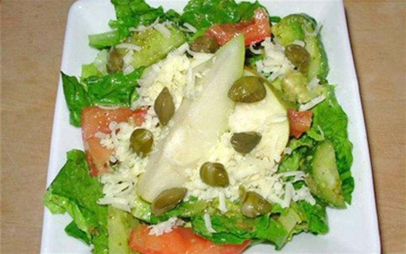 Cách Làm Salad Pesto Với Lê Và Nụ Bạch Hoa Ngon