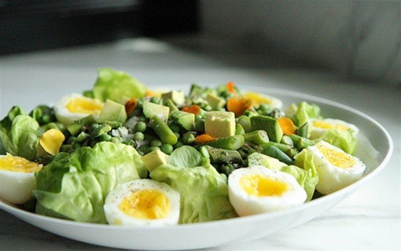 Cách Làm Salad Măng Tây Và Đậu Hà Lan Thơm Ngon