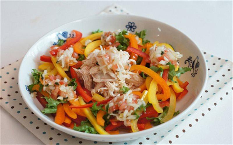 Cách Làm Salad Ớt Chuông Thịt Gà Ăn Kiêng Đơn Giản