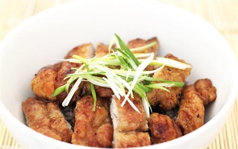 Cách Làm Thịt Gà Chiên Tỏi Nước Tương, Ngon Đậm Đà