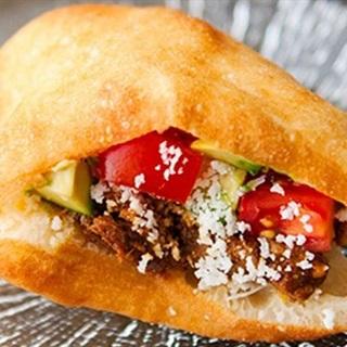 Cách Làm Bánh Tiêu Kẹp Thịt Bò Lúc Lắc Thơn Ngon