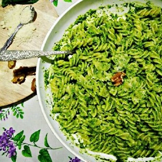 Cách Làm Pasta Pesto Xanh Mát Đơn Giản Ngon Miệng