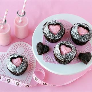 Cách làm Kem cherry trang trí bánh cupcake