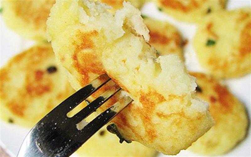 Cách Làm Bánh Khoai Tây Chiên Kiểu Hàn Thơm Ngon