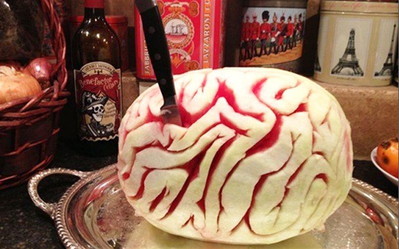 Cách làm Dưa Hấu Halloween hình bộ não, cực độc đáo