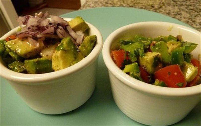 Cách làm Salad Bơ Cà Chua đơn giản cho ngày bận rộn