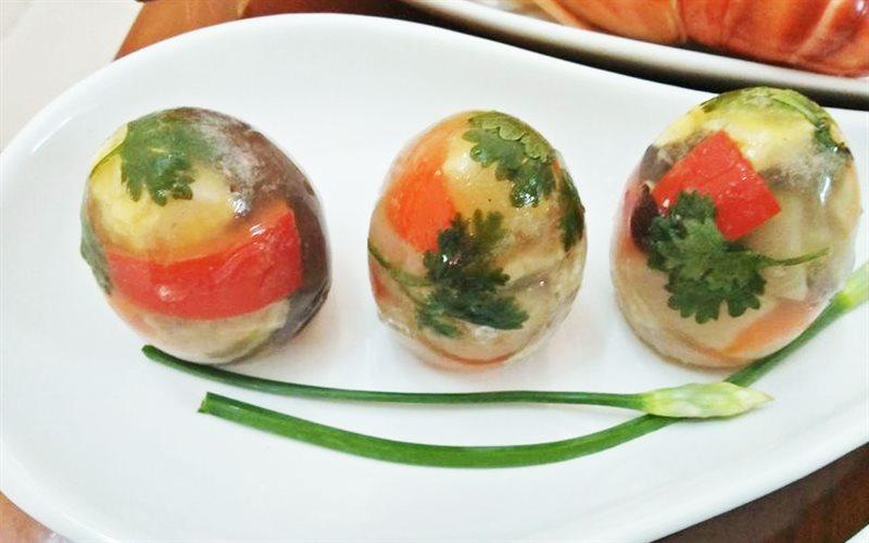 Cách Làm Thịt Nấu Đông Trong Vỏ Trứng Cực Sáng Tạo