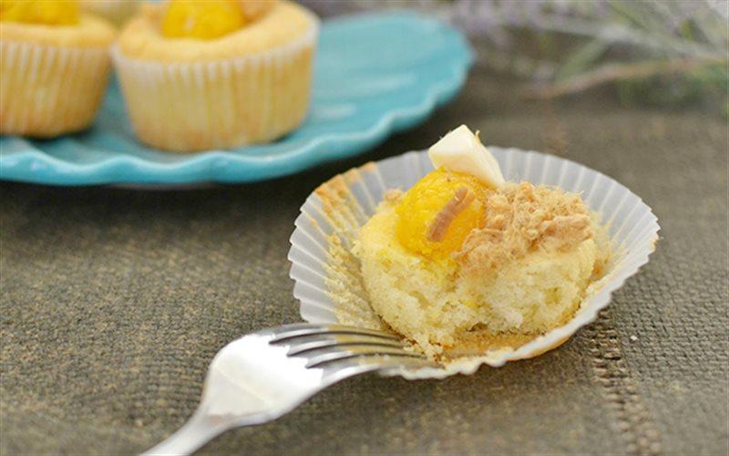 Cách làm Bánh Bông Lan Trứng Muối Chà Bông thơm ngon