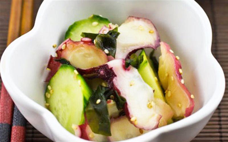Cách làm Salad Râu Bạch Tuộc đơn giản hao cơm cho gia đình