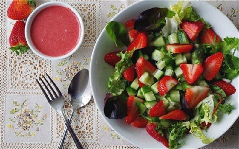 Cách Làm Salad Dâu Thơm Ngon Lạ Miệng Tại Nhà