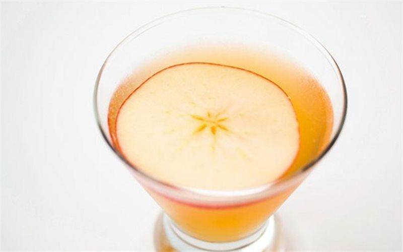 Cách Pha Cocktail Táo Cực Ngon Cho Những Ngày Hè