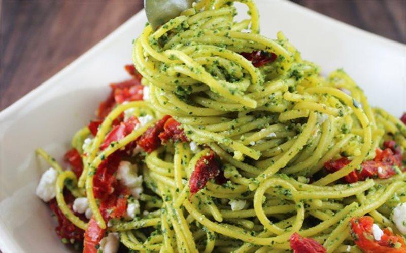 Cách Làm Mì Spaghetti Trộn Nước Sốt Cải Xoắn Ngon