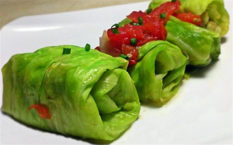 Cách làm bắp cải cuộn thịt sốt cà