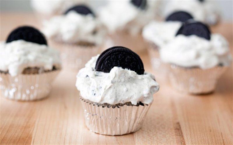 Cách làm Bánh Cupcake Oreo xốp mềm béo ngậy đơn giản