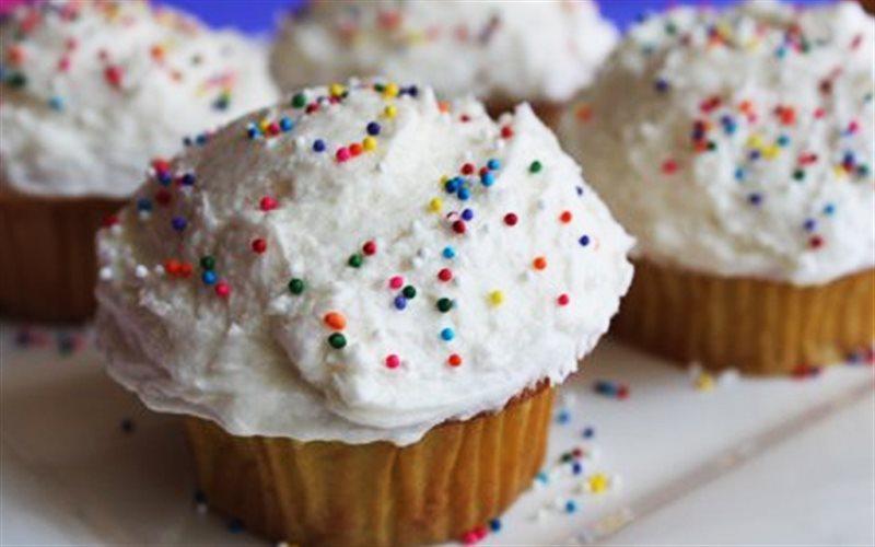 Cách Làm Bánh Cupcake Kem Vani Thơm Ngon Đơn Giản