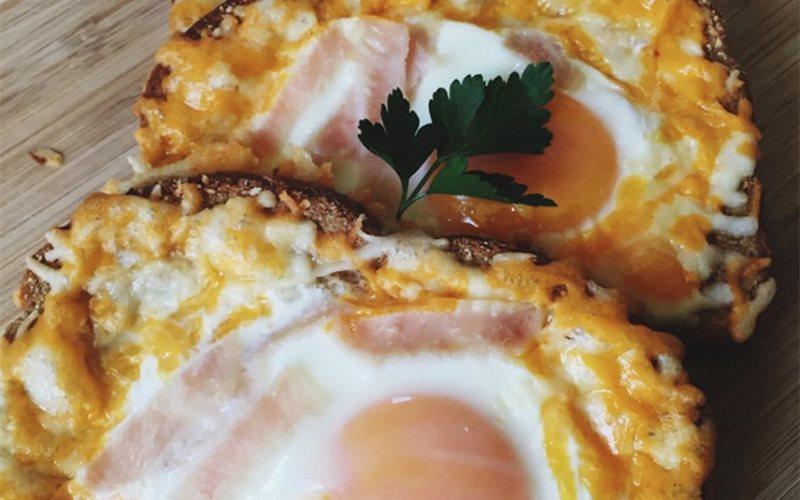 Cách Làm Bánh Toast Trứng Phô Mai Cho Bữa Sáng