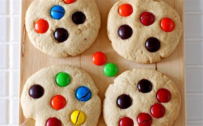 Cách làm Bánh Quy Nhân Socola M&M đẹp mắt, cho các bé