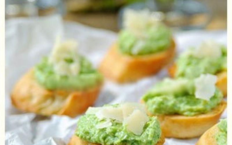 Cách làm Bánh mì phủ sốt Pesto