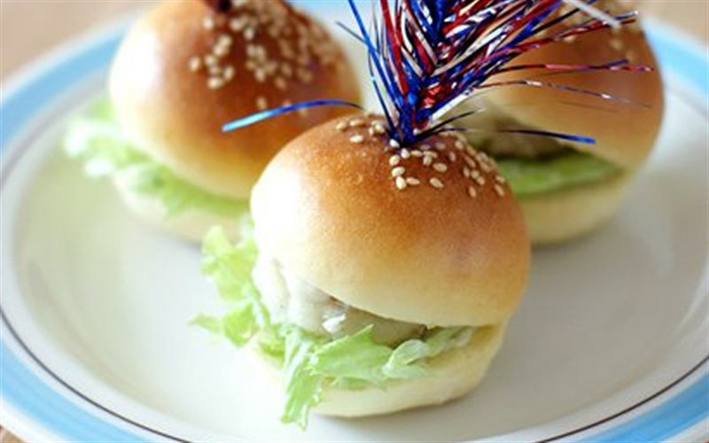 Cách Làm Bánh Burger Mini | Tiện Lợi Cho Buổi Sáng
