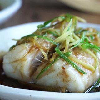 Cách làm Cá Hấp Hành Lá thơm ngon, ngọt lành rất bắt cơm