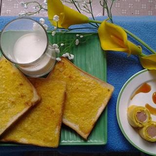 Cách Làm Bánh Mì Bơ Và Trứng Cuộn Xúc Xích Hấp Dẫn