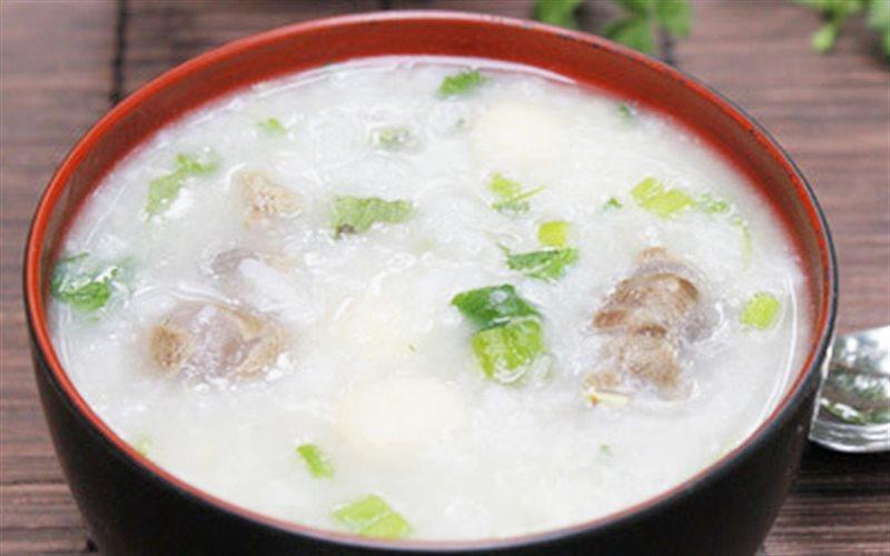Cách nấu Cháo Bò Hạt Sen thơm ngon và bổ dưỡng, cho cả nhà