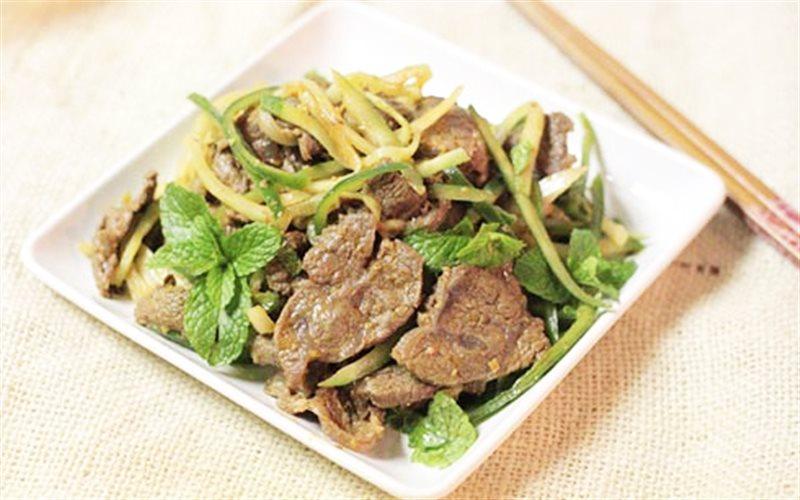 Cách Làm Thịt Bò Trộn Dưa Leo Và Hành Tây Đơn Giản