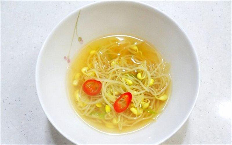 Cách nấu Canh Giá Đỗ với nước hầm cá cơm ngọt thanh