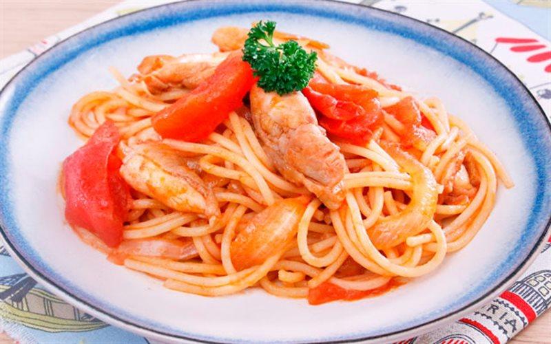 Cách Làm Mì Ý Xào Thịt Gà Thay Thế Bữa Cơm Chiều