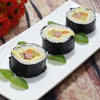Cách Làm Sushi Cuộn Không Cần Mành Tre Đẹp Mắt