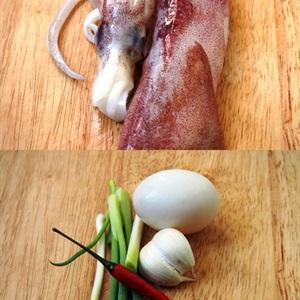 Mực chiên giòn xóc trứng muối