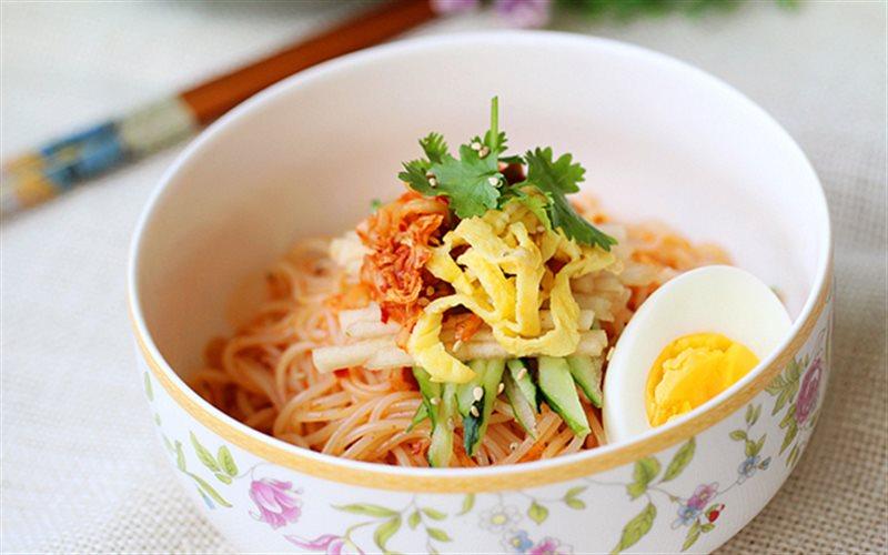 Cách Làm Bún Trộn Kiểu Hàn Quốc Cho Bữa Ăn Sáng