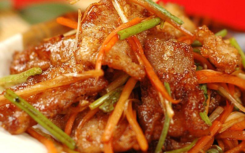 Cách làm Thịt Chiên Xào Rau Củ ngon lành cho bữa cơm chiều