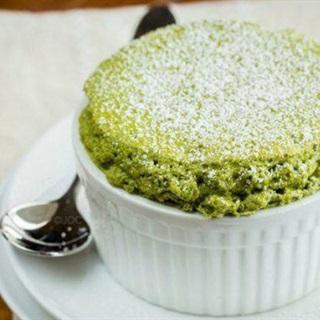 Cách làm bánh souffle trà xanh