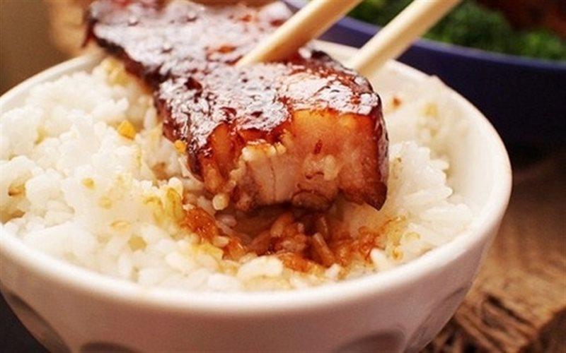 Cách Làm Thịt Ba Chỉ Kho Mía Đậm Đà Rất Bắt Cơm